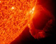 space137-solar-circular-prominence_33698_200x150